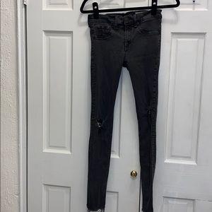 Rag & Bone Skinny Legging Jean in Faded Black